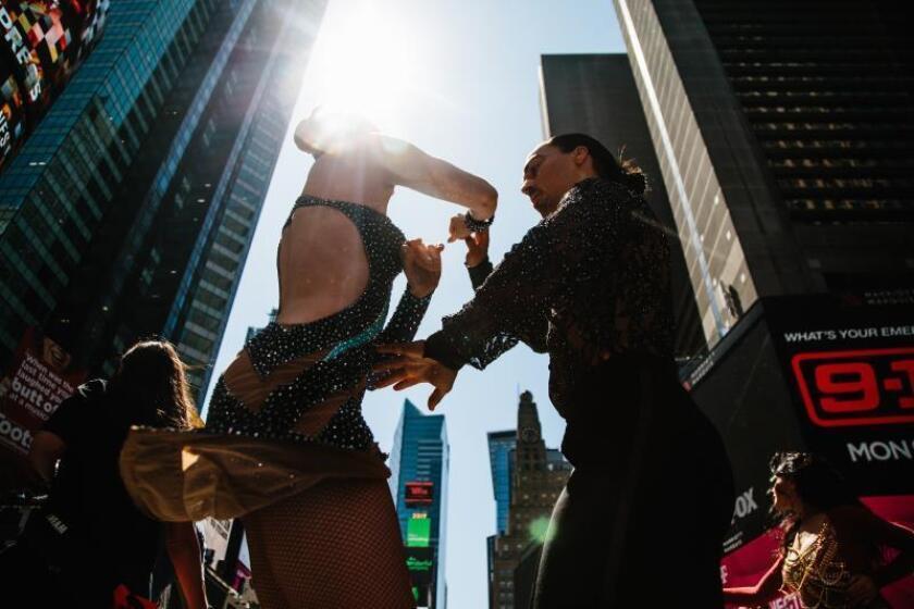 """Unos 10.000 """"salseros"""" de todo el mundo ponen a bailar a Nueva York"""