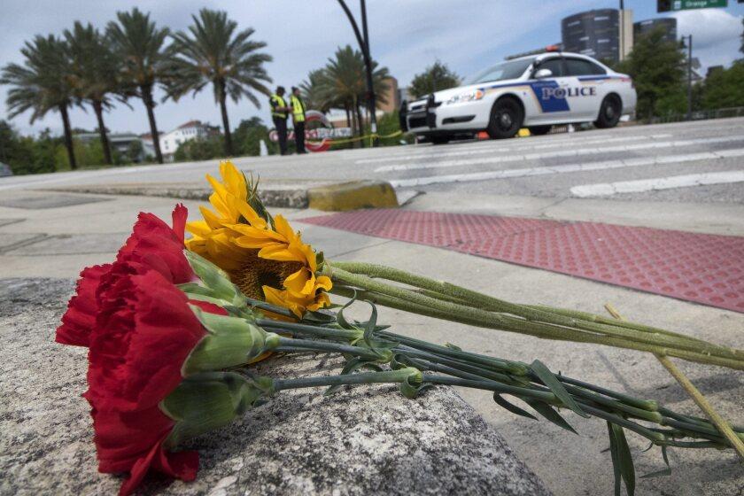 Ese incidente podría ser calificado de terrorismo después de que el FBI revelara que la pareja se había radicalizado y podría haberse inspirado en grupos yihadistas como el Estado Islámico. (Atentado, Estados Unidos) EFE/EPA/CRISTOBAL HERRERA