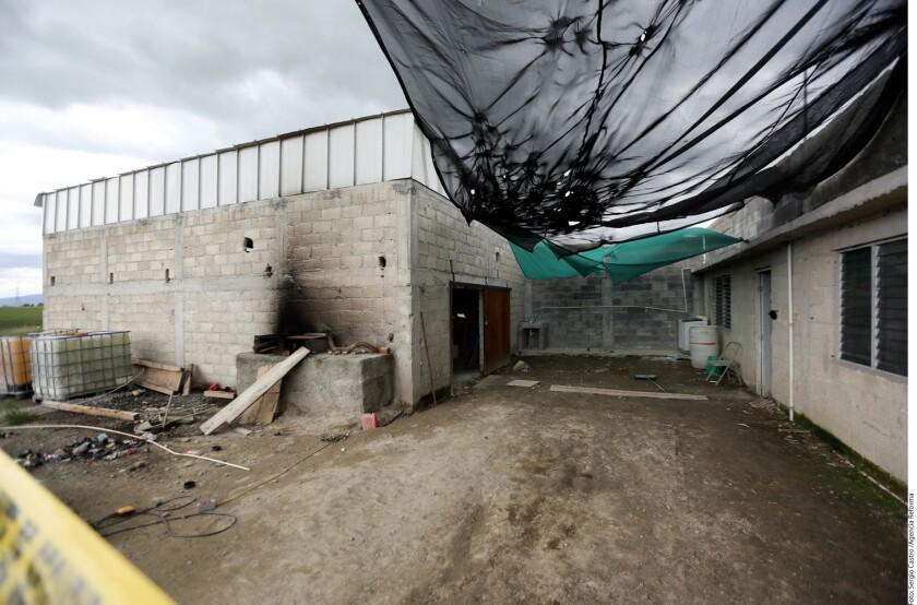 El sitio, de dos pisos, se encuentra al lado de una bodega, la cual está resguardada por alrededor de 200 elementos del Ejército y la Policía estatal.