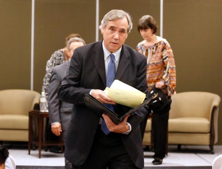 El senador demócrata por el estado de Oregón, Jeff Merkley. EFE/Archivo