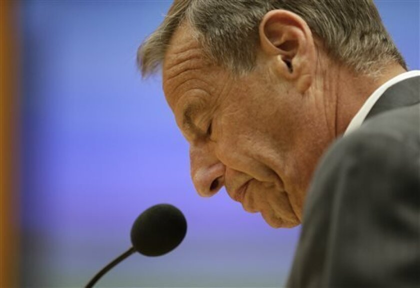 San Diego Mayor Bob Filner speaks after agreeing to resign at a city council meeting on Friday, Aug. 30.