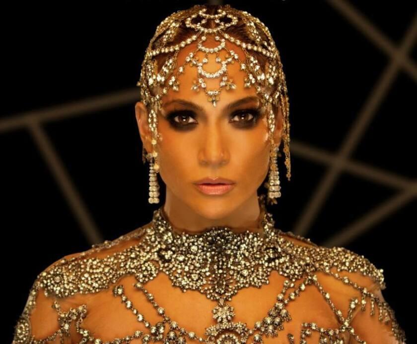 """La cantante y actriz Jennifer Lopez en una escena del videoclip relacionado a su nuevo sencillo, """"El anillo""""."""