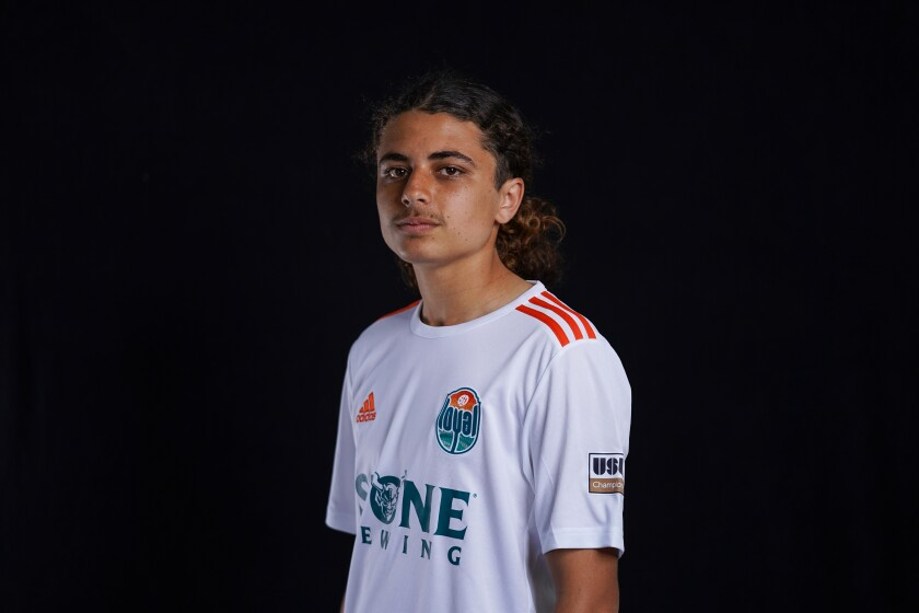 Xavi Gnaulat, a Cardiff-by-the-Sea resident, signed a USL Academy contract with the San Diego Loyal.