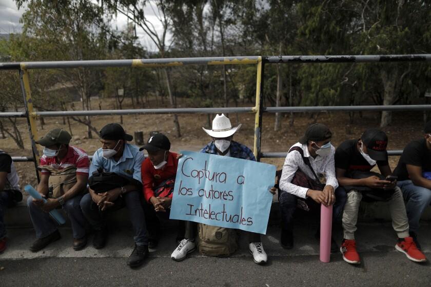 Un partidario de la activista hondureña por los derechos indígenas y ambientales Berta Cáceres s