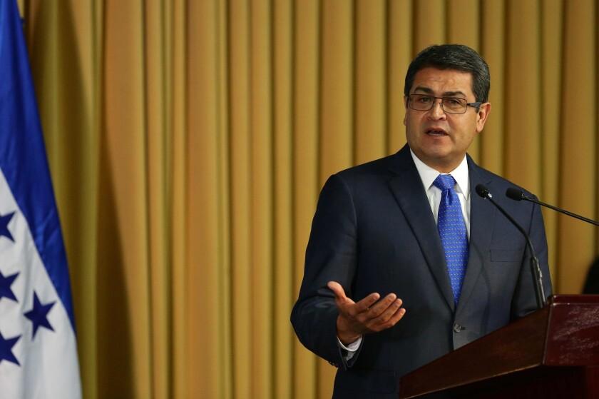 Miembros de la comunidad catracha en el norte de California piden al presidente de Honduras, Juan Orlando Hernández intervenga para reabrir consulado en San Francisco.