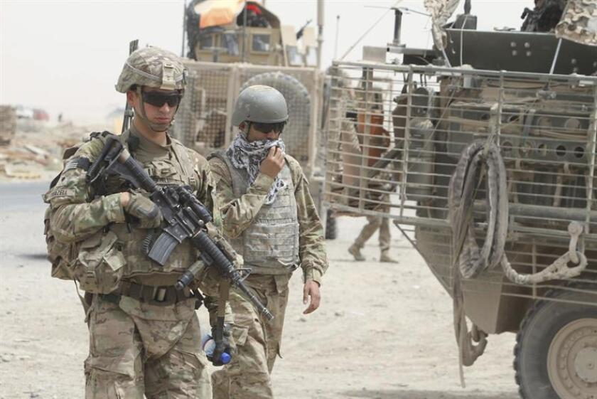 """Un soldado estadounidense de la coalición internacional liderada por Washington que combate al terrorismo islamista en Afganistán, en el marco de la operación """"Resolute Support"""" (Apoyo Decido) de la OTAN, falleció hoy por causas que aún no han sido divulgadas, según fuentes militares. EFE/Archivo"""