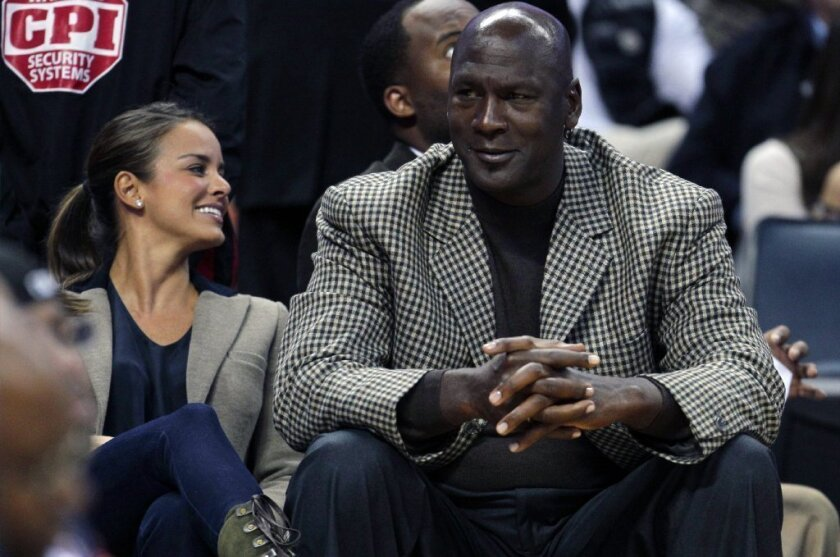 Michael Jordan and Yvette Prieto have applied for a marriage license.