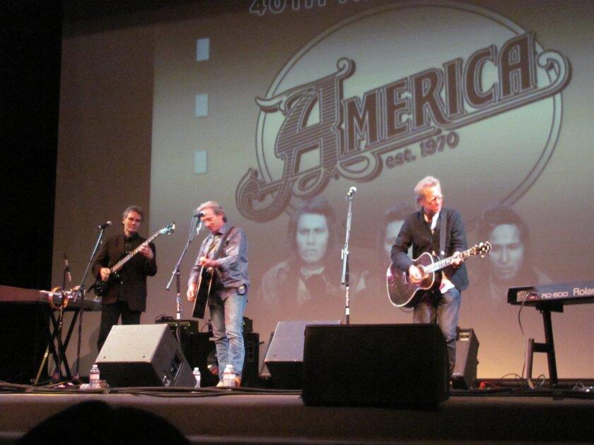 AMERICA onstage at Sherwood Auditorium in La Jolla on Nov. 4. Photos by Susan DeMaggio