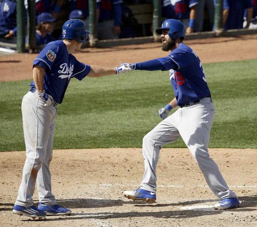 Scott Van Slyke homers in Dodgers' 6-4 win over Colorado