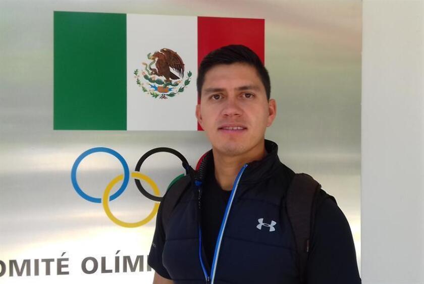 La selección mexicana de tiro con arco regresó hoy a los entrenamientos en la capital del país para iniciar la preparación de la temporada que tendrá su pico en los Mundiales de la ciudad de México el próximo mes de octubre. En la imagen, Juan René Serrano, cuarto lugar en los Juegos Olímpicos de Pekín 2013. EFE/ARCHIVO