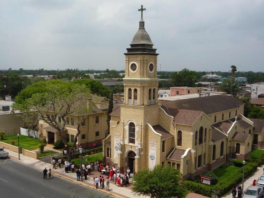 Foto de aqrchivo de la iglesia del Sagrado Corazón en McAllen, Texas.