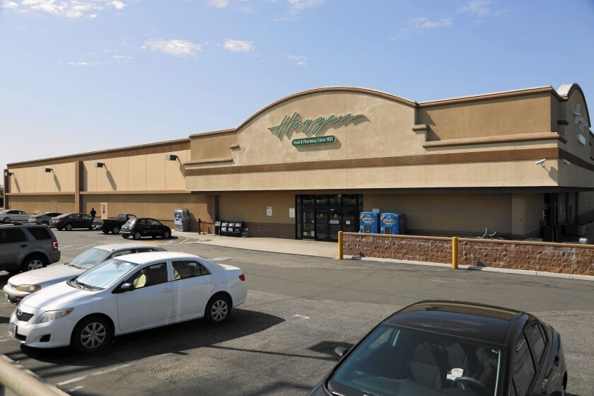Rival grocers to buy Haggen stores being sold in bankruptcy