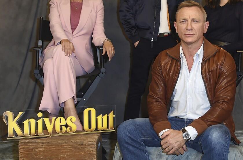 """Daniel Craig en una sesión fotográfica de """"Knives Out"""" el 15 de noviembre de 2019 en Los Angeles."""