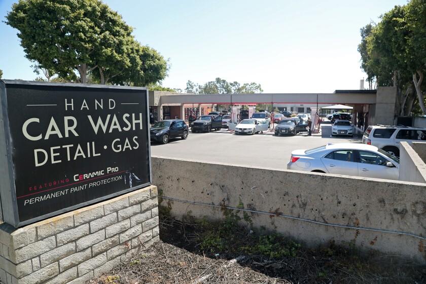 Newport Center Anacapa Associates is proposing a new condo complex in Newport.