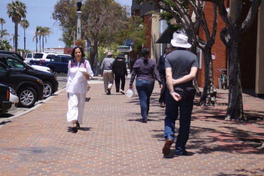 The wide sidewalks in the Village contribute to La Jolla's walkability.