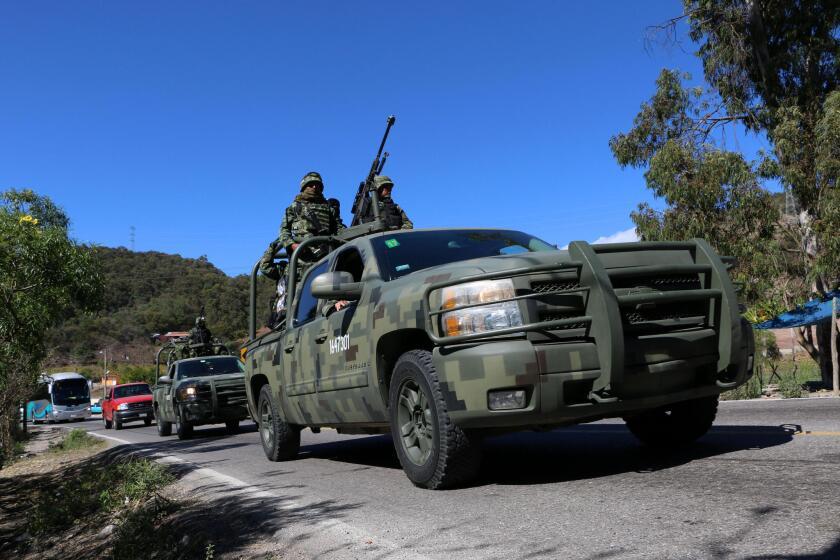 Unos 3.500 militares y 200 policías federales y estatales arribaron el miércoles 27 de enero de 2016, para participar en el Operativo Chilapa, que inició con el objetivo de reducir la violencia ligada al crimen organizado en varios municipios del estado mexicano de Guerrero, informaron las autoridades.