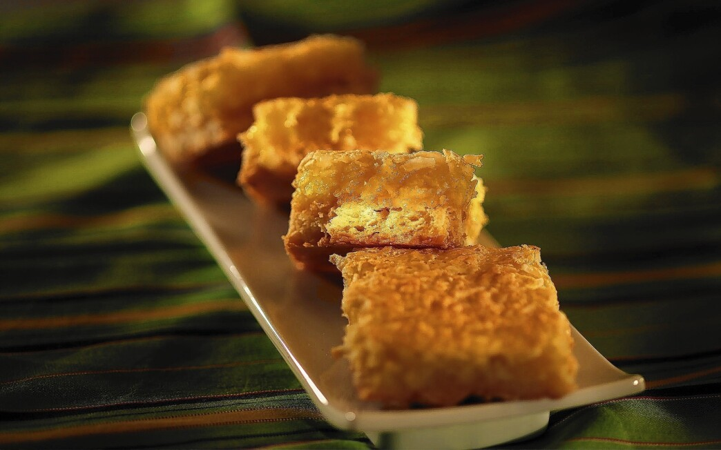 Julienne's lemon coconut bars Recipe - Los Angeles Times