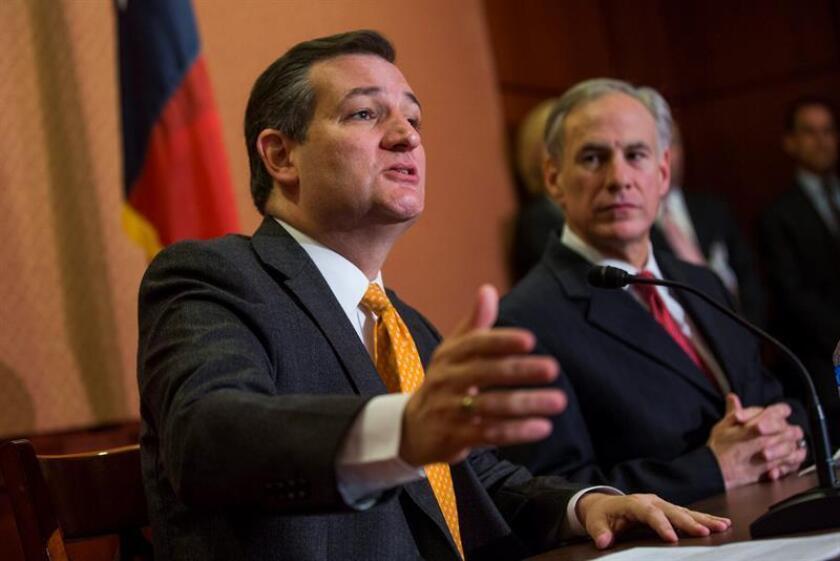 """El gobernador de Texas, el republicano Greg Abbott, sugirió hoy que una ley que permitiera llevar armas a la universidad, como ocurre en Texas, hubiera evitado el ataque de este lunes en el campus universitario de Ohio, ya que el sospechoso """"se lo hubiera pensado dos veces"""". EFE/EPA/ARCHIVO"""