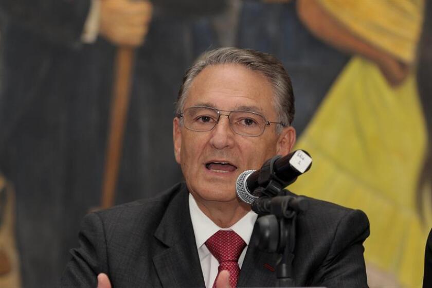 El coordinador nacional de Protección Civil de México, Luis Felipe Puente durante una conferencia de prensa. EFE/Archivo