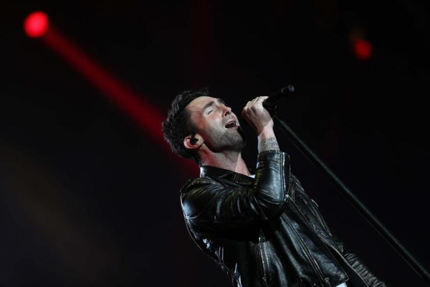 """La plataforma de vídeos en internet YouTube anunció hoy que estrenará la serie """"Sugar"""", inspirada en el videoclip homónimo de la banda Maroon 5 y con su vocalista, Adam Levine, como productor ejecutivo. EFE/Archivo"""