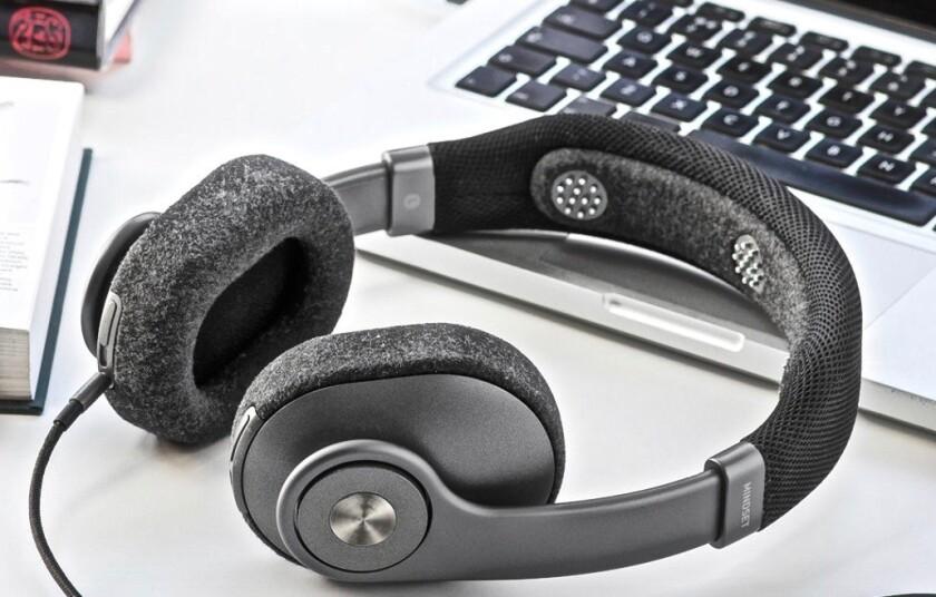 Focus Fixer Mindset smart headphones keep you on task by buzzing/beeping/vibrating when its EEG sens