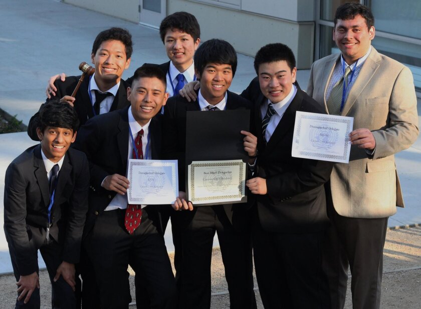 Canyon Crest Academy Model United Nations Staff with their awards.