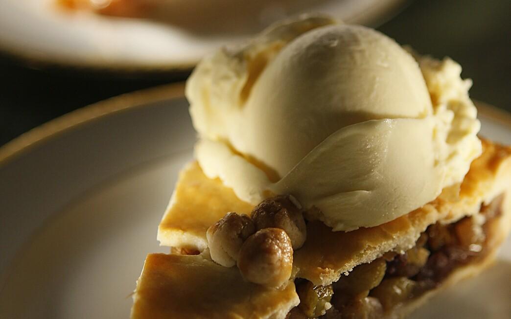Fresh mincemeat pie