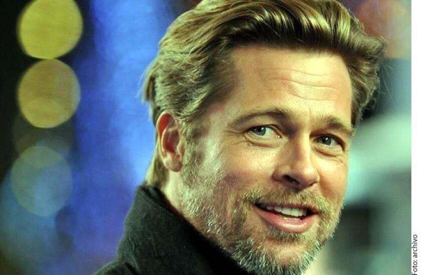Brad Pitt tuvo un pequeño accidente automovilístico en la ciudad de Los Ángeles, mientras conducía, chocó por detrás a un auto que a su vez golpeó al coche de enfrente, informó Daily Mail.