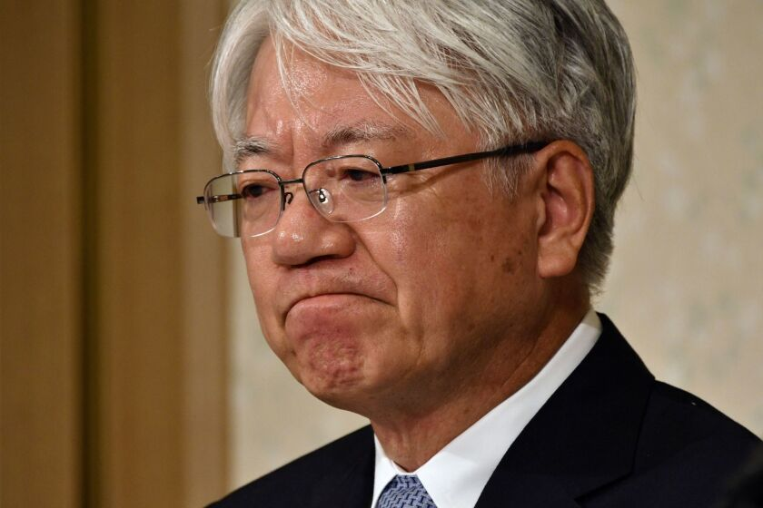 Kobe Steel President and CEO Hiroya Kawasaki reacts during a news conference in Tokyo, on Oct. 13 2017. Kobe Steel, Japan's third-biggest steelmaker, is under fire following cases of falsified data on quality products used in the automobile and aeronautics industry.