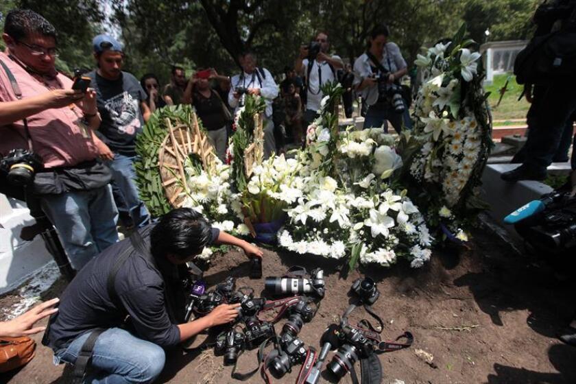 Campañas de desinformación en línea, desarrolladas con programas informáticos y usando cuentas con perfiles falsos, registran un auge sin precedentes en México, ahogando los contenidos periodísticos, denunció hoy la organización Reporteros Sin Fronteras (RSF). EFE/ARCHIVO
