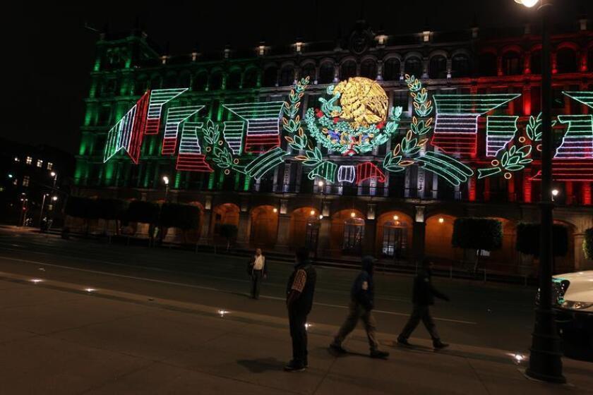 López Obrador impone su estilo personal a fiesta de Independencia en México