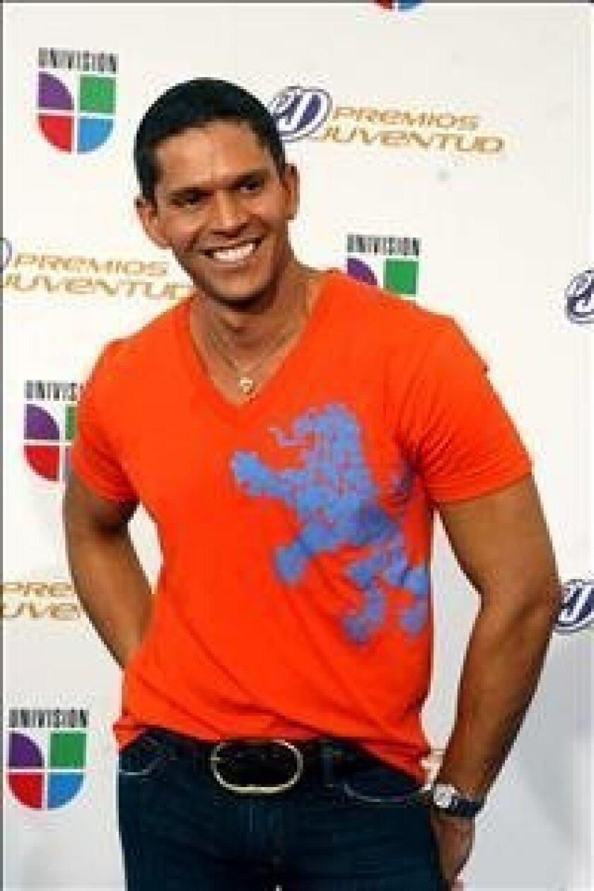 El venezolano Rodner Figueroa es un experto en moda que comparte su visión del arte y la belleza. EFE/Archivo
