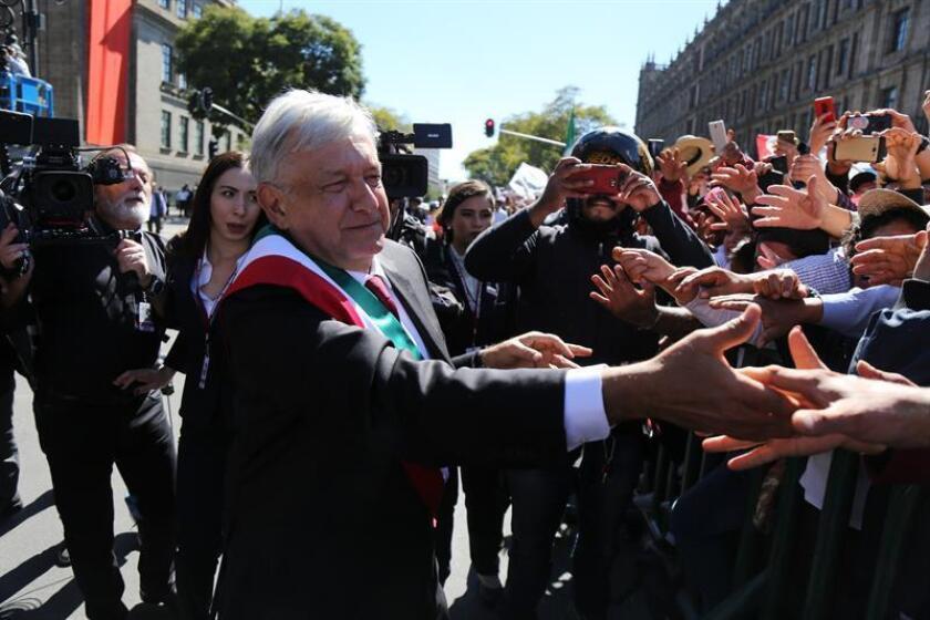 El nuevo presidente de México, Andrés Manuel López Obrador, llega al Palacio Nacional hoy, sábado 1 de diciembre de 2018, en Ciudad de México (México). EFE