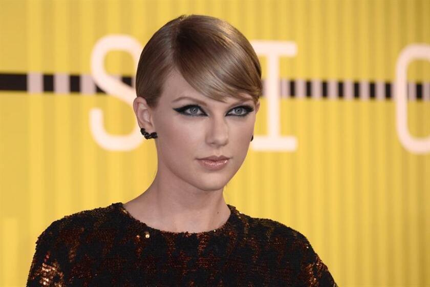 Un empleado de una inmobiliaria de Nueva York presentó una demanda contra la cantante Taylor Swift, a quien le reclama el pago de un millón de dólares en comisión por la venta de una propiedad en Manhattan. EFE/EPA/ARCHIVO