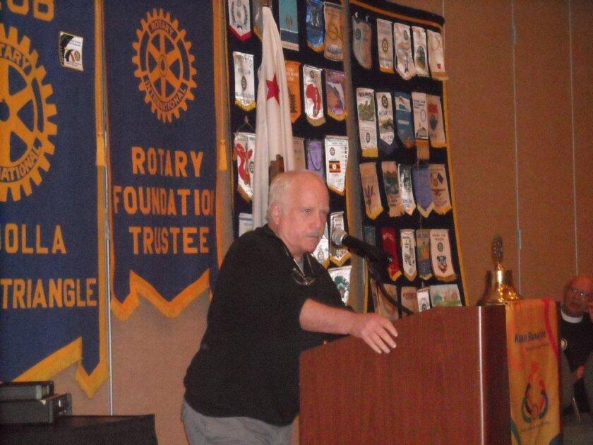 Richard Dreyfuss addresses the Golden Triangle Rotary Club on Oct. 14 at La Jolla Marriott Hotel. Photos Will Bowen
