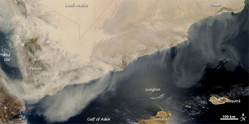 A dust storm that began on March 17 blew dust over the Persian Gulf on March 19, grounding jets on the Carl Vinson.