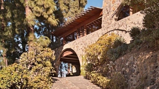 Lloyd Wright's De Jonghe Residence in Hollywood Hills West | Hot Property