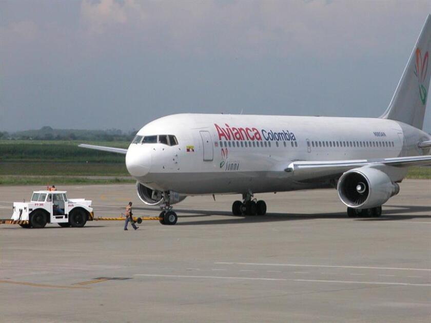 Con la nueva ruta la aerolínea sirve cuatro destinos en Europa y completará cerca de 50 vuelos semanales entre Colombia y el viejo continente conectando Bogotá, Cali y Medellín con Madrid, así como a la capital colombiana con Barcelona y Londres. EFE/Archivo