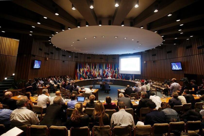 Vista general de la presentación del Balance Preliminar de las economías latinoamericanas a cargo de la Comisión Económica para América Latina y el Caribe (CEPAL) hoy, jueves 14 de diciembre de 2017, en Santiago (Chile). EFE