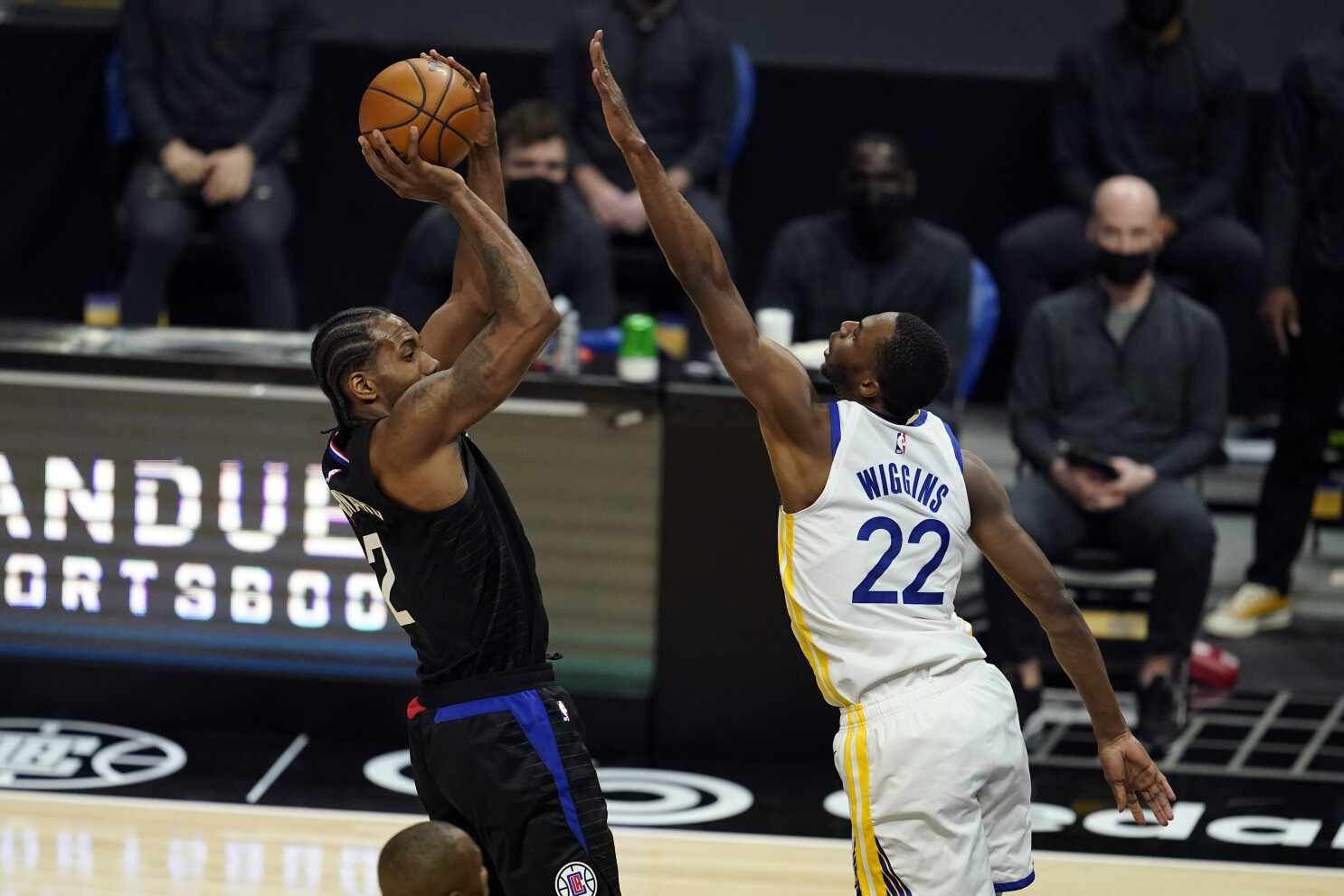 Clippers snap 3-game skid with 130-104 rout of Warriors - The San Diego  Union-Tribune