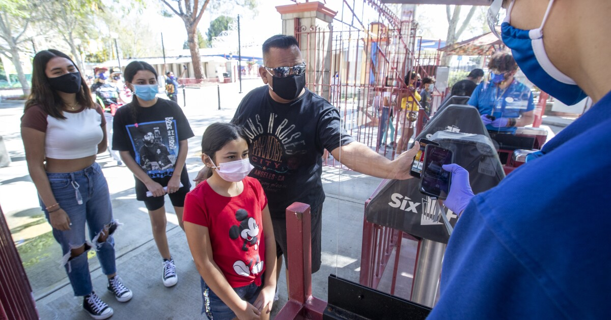 Apps help theme parks boost their COVID safety — and collect data on you