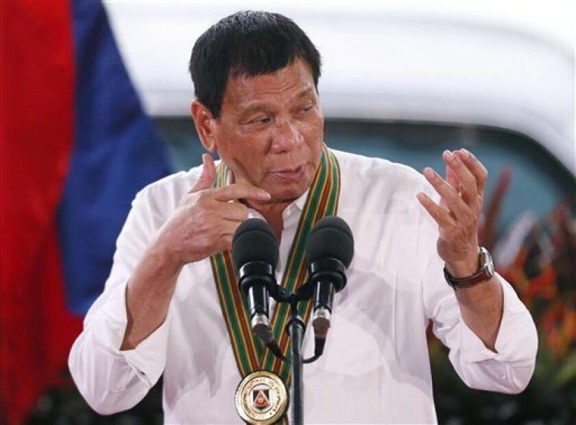 """El Gobierno de Filipinas pidió hoy a los periodista que empleen """"imaginación creativa"""" para interpretar los comentarios del presidente del país, Rodrigo Duterte, quien en su última salida de tono envió al infierno a Barack Obama."""