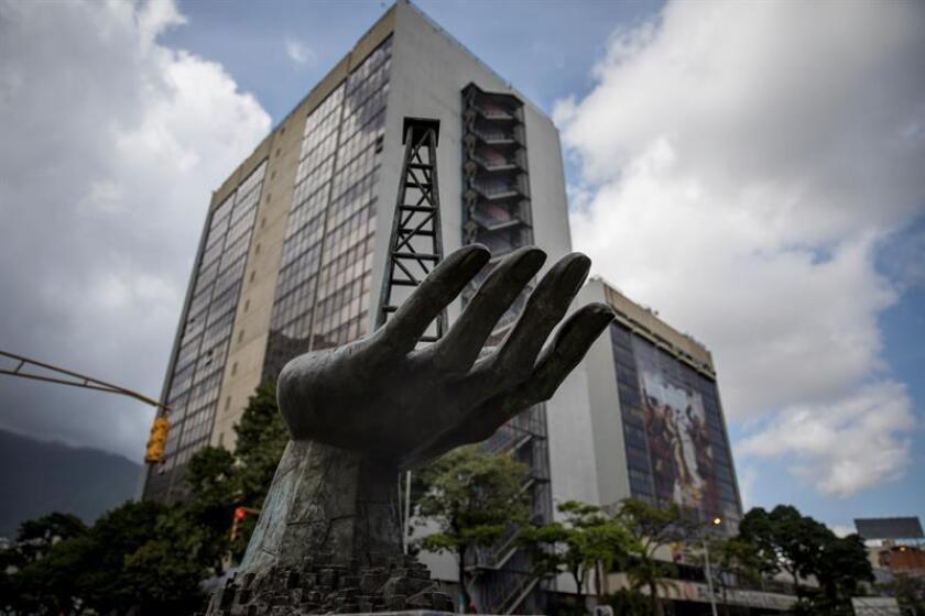 """Asociación de derivados financieros confirma """"default"""" de Venezuela y PDVSA"""