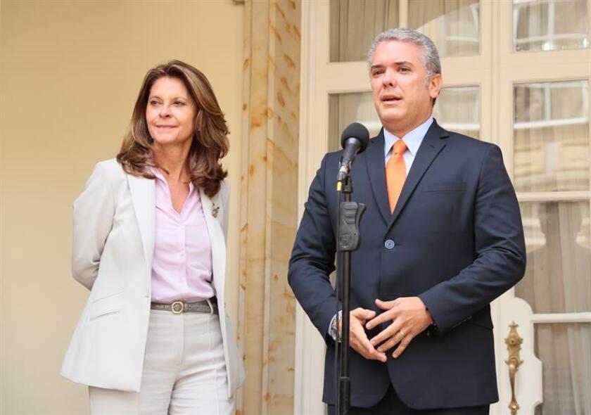 El presidente electo colombiano, Iván Duque (d), y su vicepresidenta, Marta Lucía Ramírez (i), durante una conferencia de prensa. EFE/Archivo
