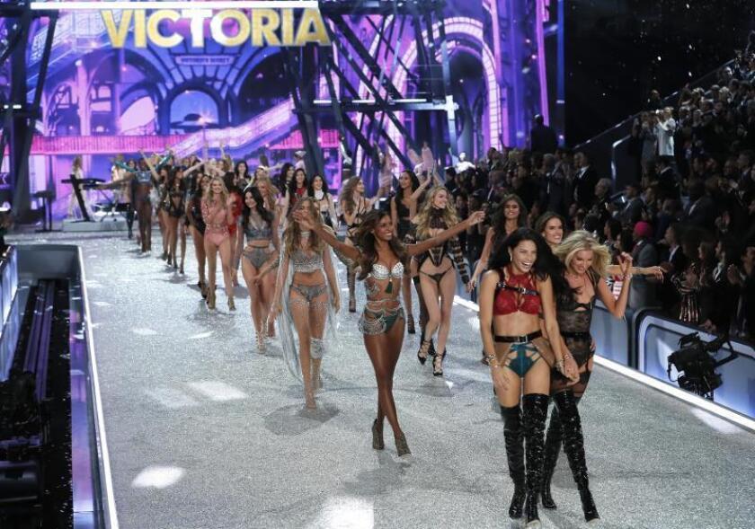 Renuncia ejecutivo de Victoria's Secret que rechazó contratar modelos trans