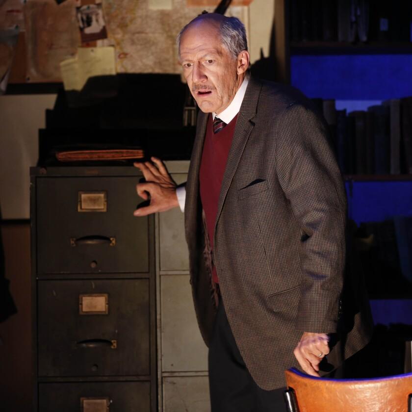Tom Dugan in 'Wiesenthal'
