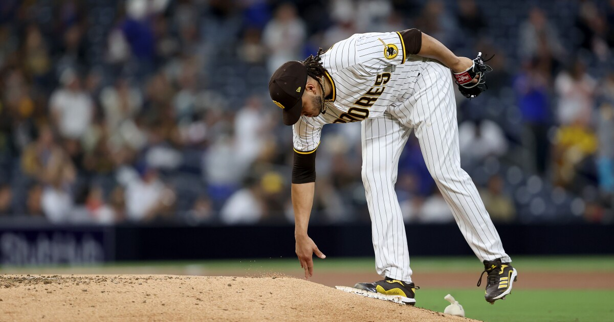Lamet starts strong, Cubs finish stronger to beat Padres