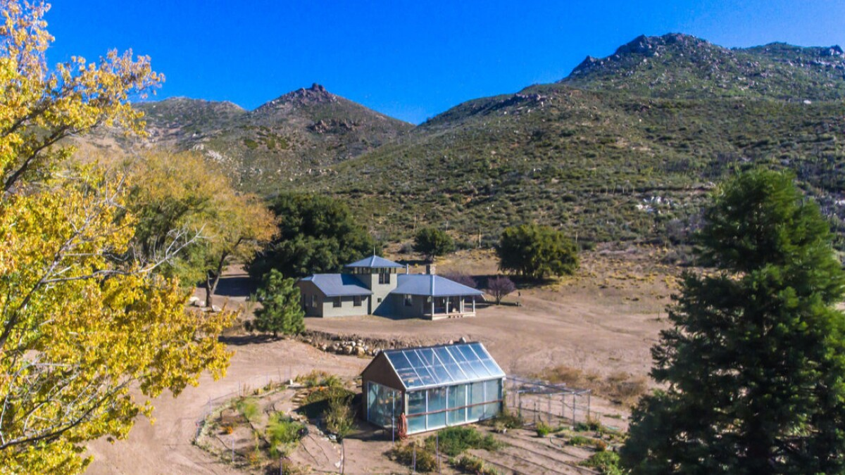 Logan Paul Buys Timothy Leary S Former Lsd Ranch In The San Jacinto Mountains Los Angeles Times