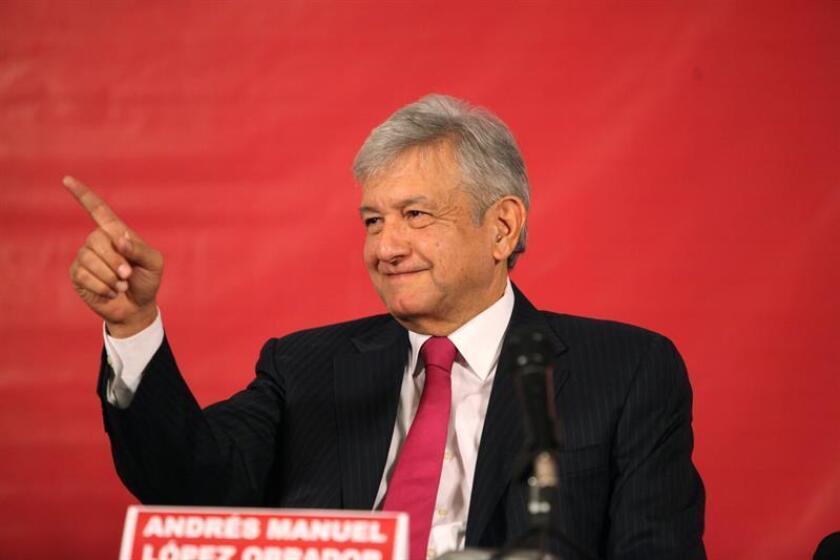 El excandidato presidencial mexicano Andrés Manuel López Obrador durante una rueda de prensa. EFE/Archivo