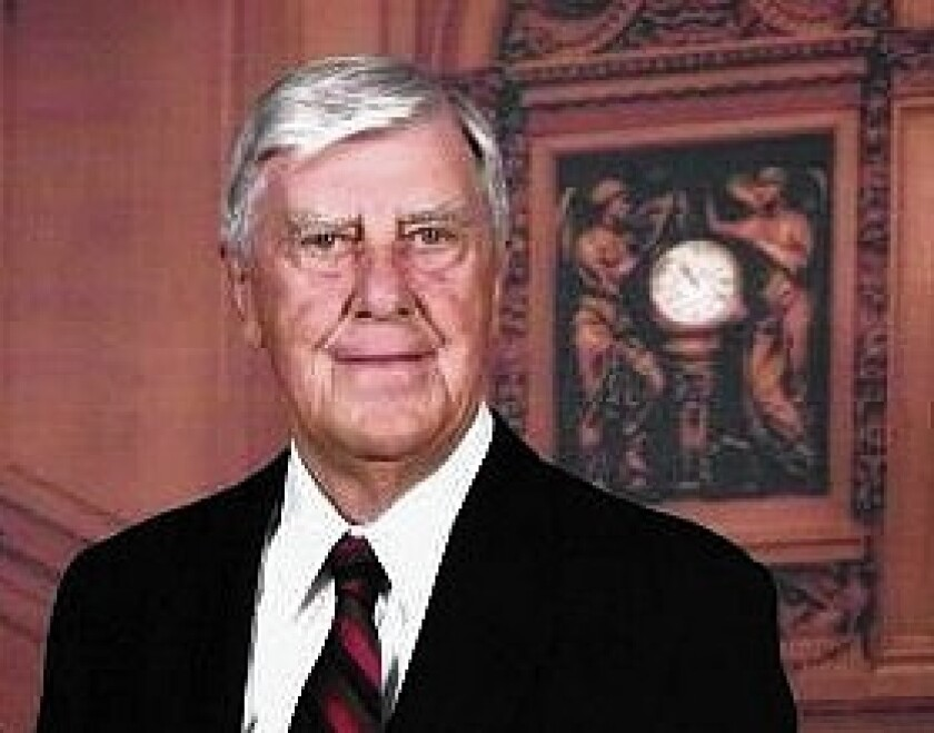"""John R. Huizenga, a physicist whose contributions to atomic science included co-chairing a federal panel that debunked the claims of """"cold fusion"""" advocates, died Saturday in La Jolla. He was 92."""
